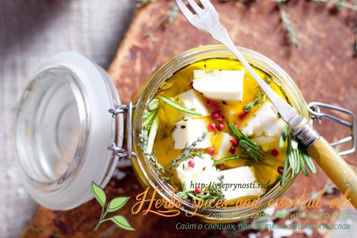 Сыр в маринаде из специй