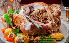 Christmas Chicken Stuffed with Bacon, Pistachio, Fig and Bread